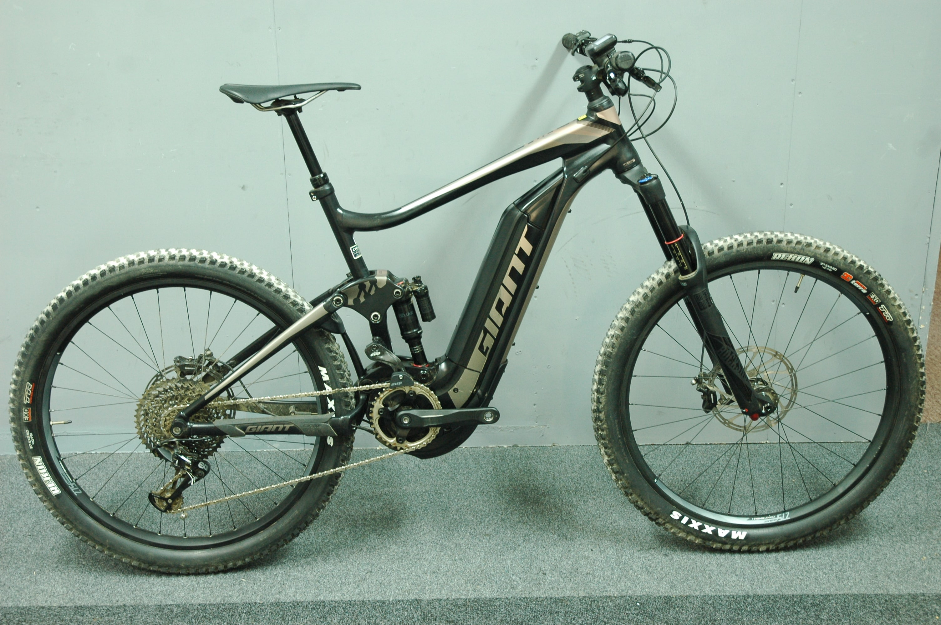 ex demo bike giant full e plus sx pro large 2018 bournemouth cycleworks